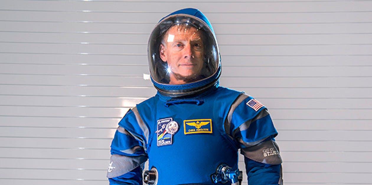 Boeing Blue starliner spacesuit