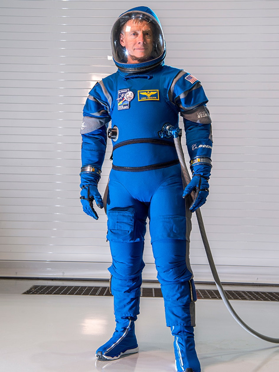 Boeing Blue starliner spacesuit