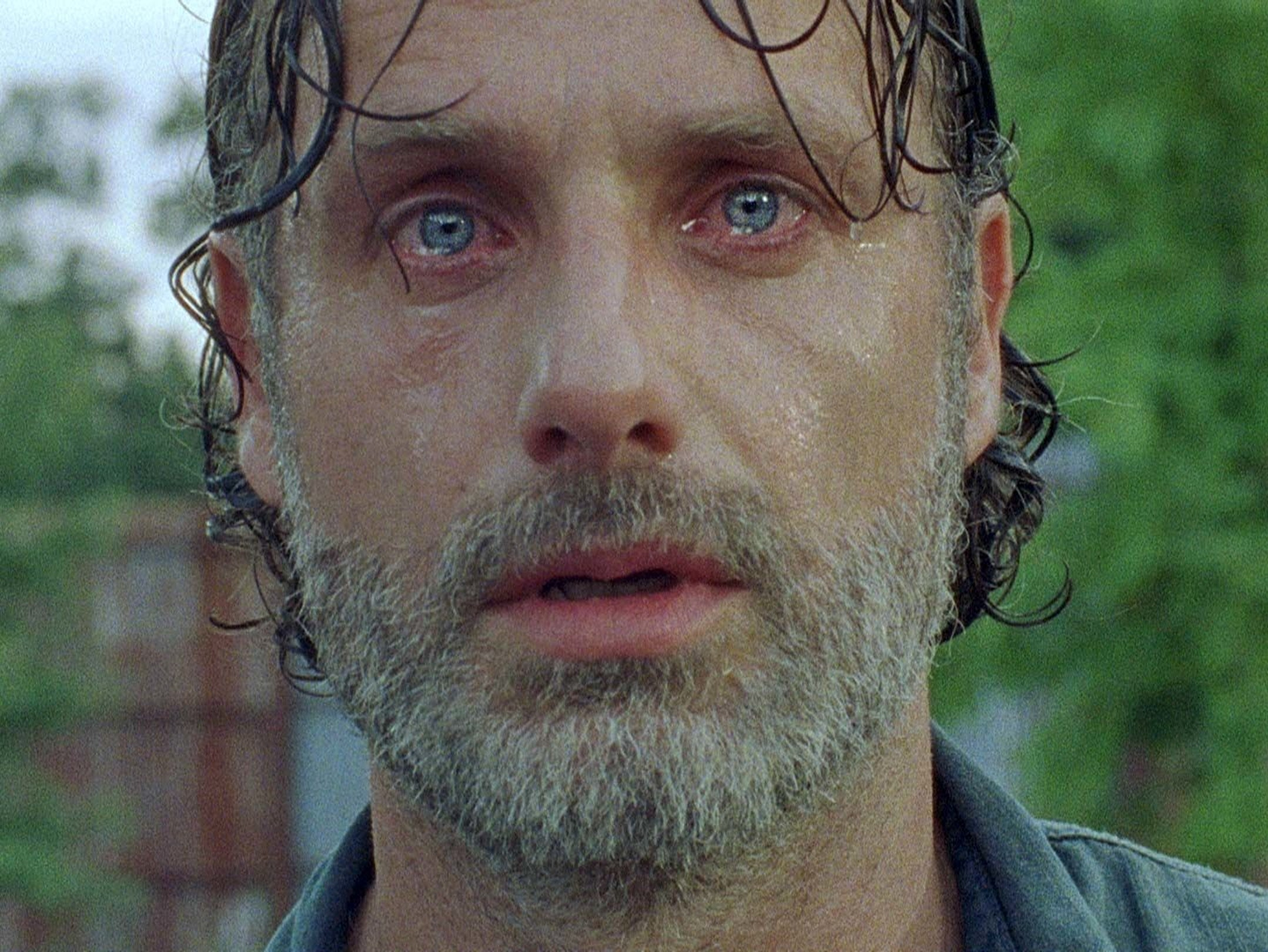 'The Walking Dead' Goes to War (Super Slowly)