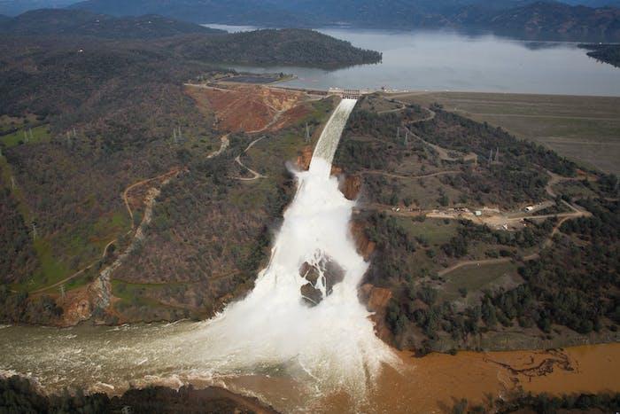 Oroville Dam spill