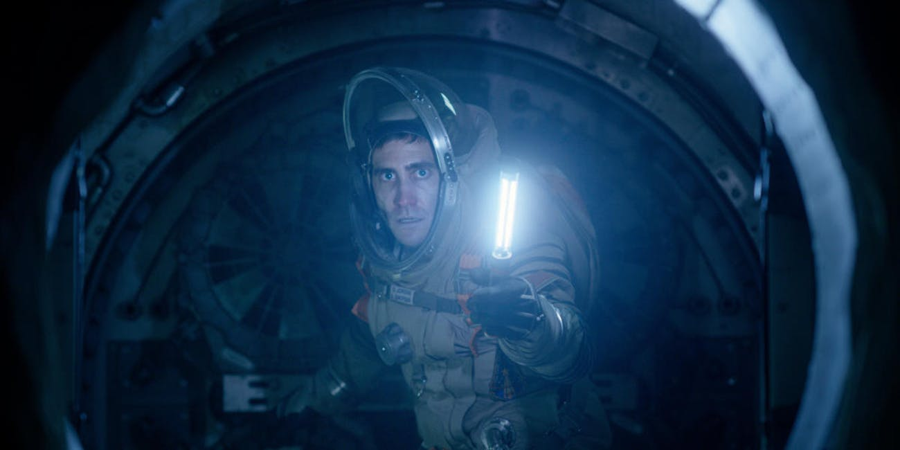 How the Alien Creature in 'Life' Defies the Laws of Physics