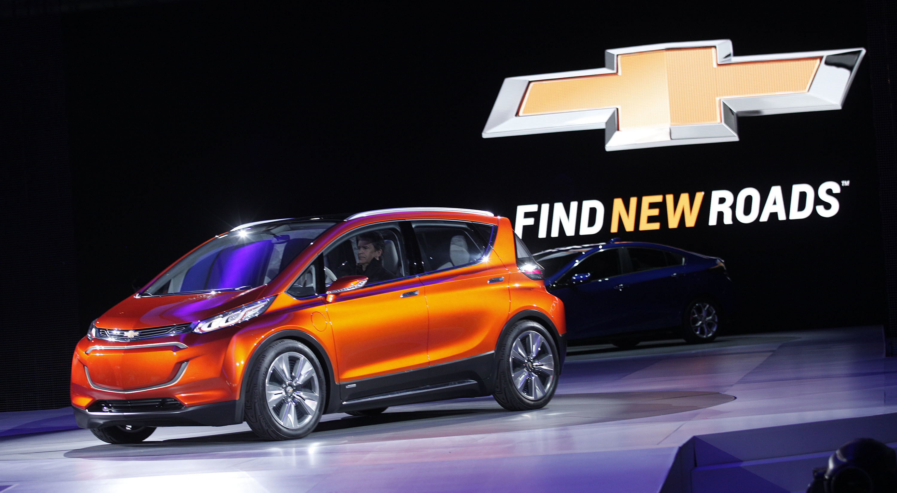 GM and Lyft will put autonomous Chevy Bolts on the road in 2017.