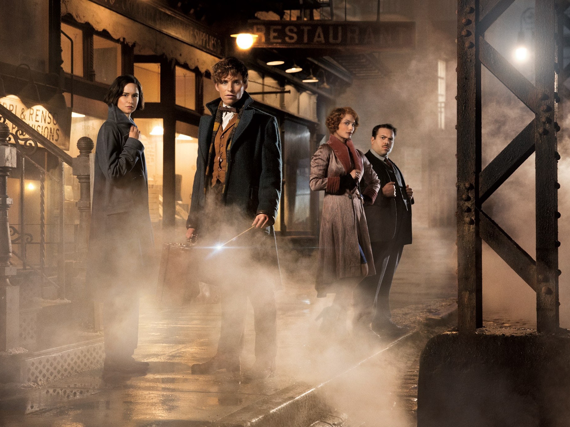 """Eddie Redmayne and the cast of 'Fantastic Beasts and Where To Find Them"""""""