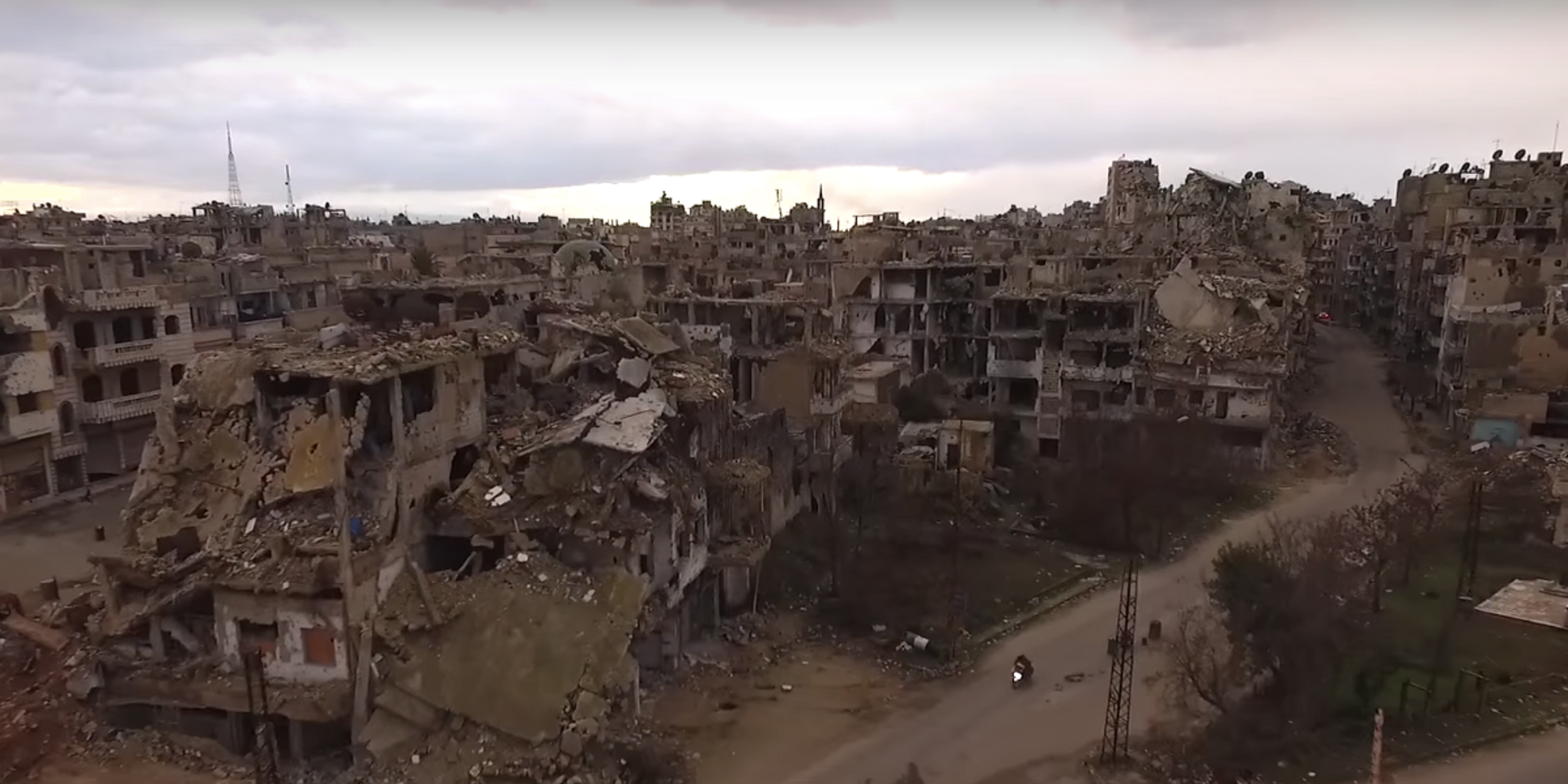 haunting drone video shows bombed out homs syria inverse. Black Bedroom Furniture Sets. Home Design Ideas