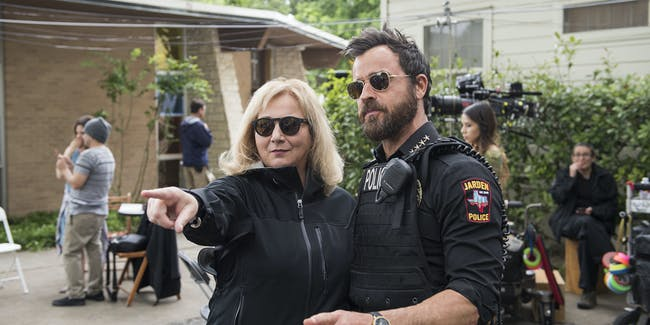 Mimi Leder and Justin Theroux filming 'The Leftovers' Season 3