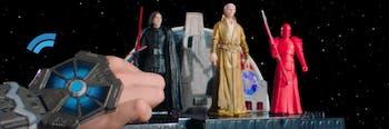 Snoke is tall AF.