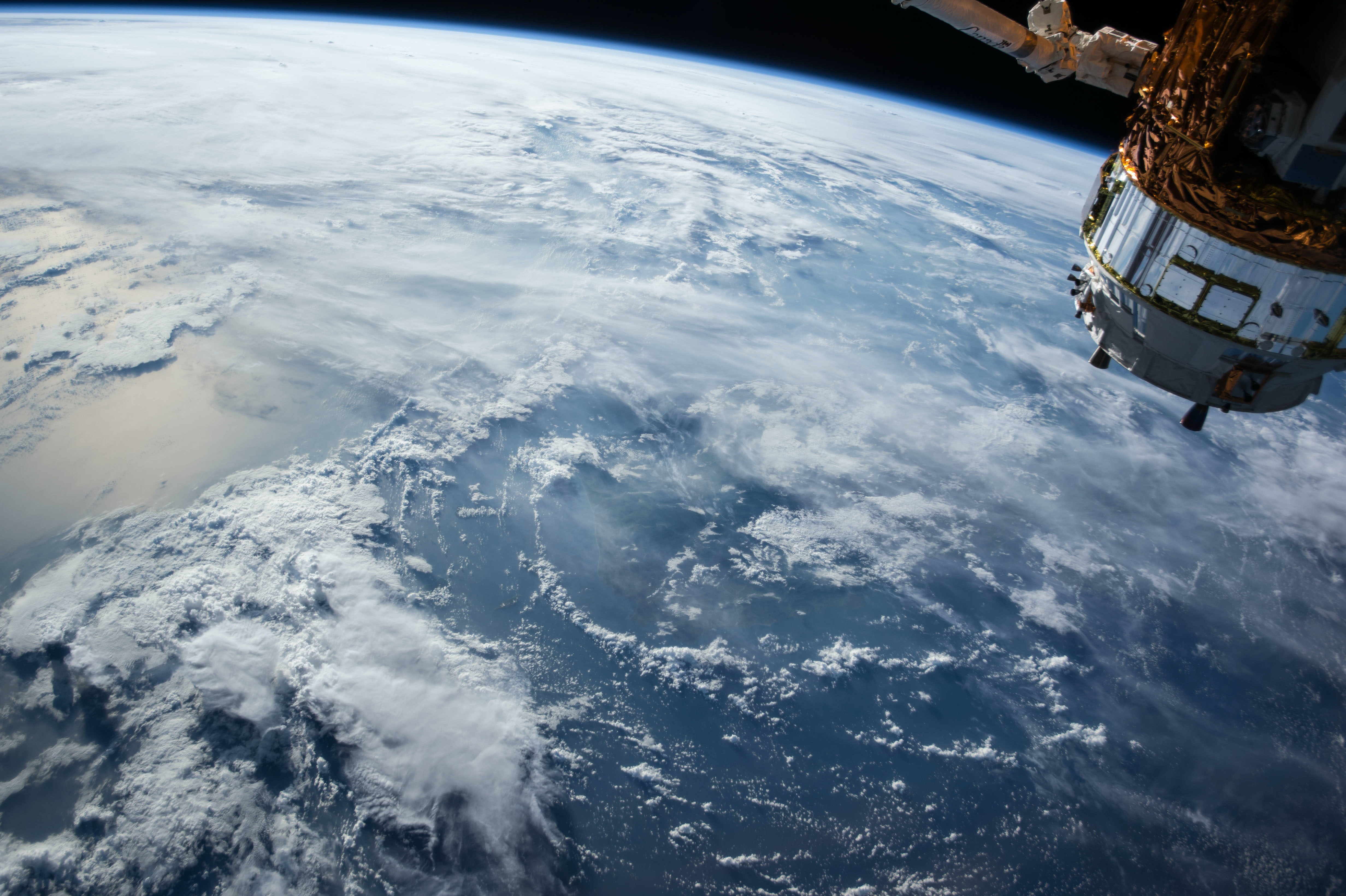 """The 3 Pandemics Affecting the Planet Now Make Up a """"Global Syndemic"""""""