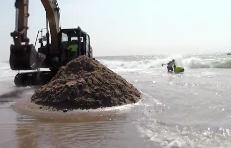 mystery object east beach rhode island