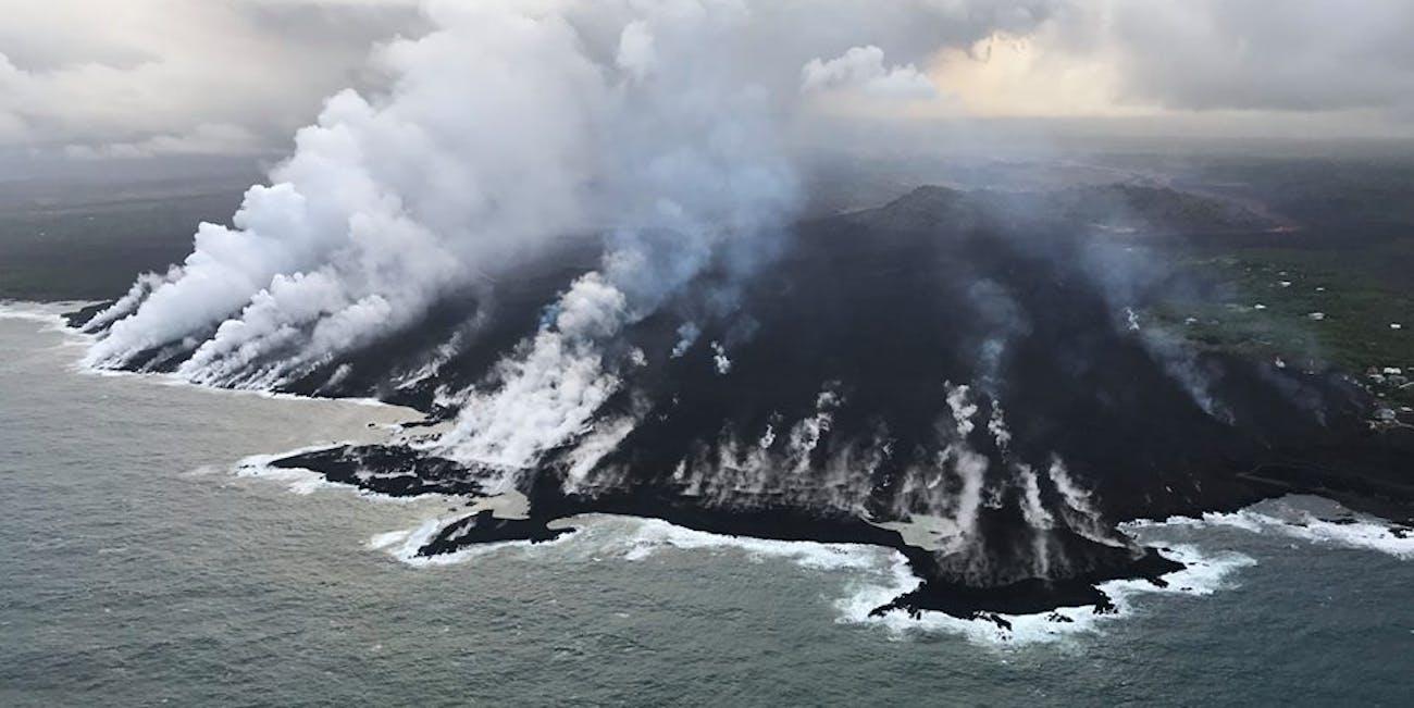 kilauea volcano water ocean