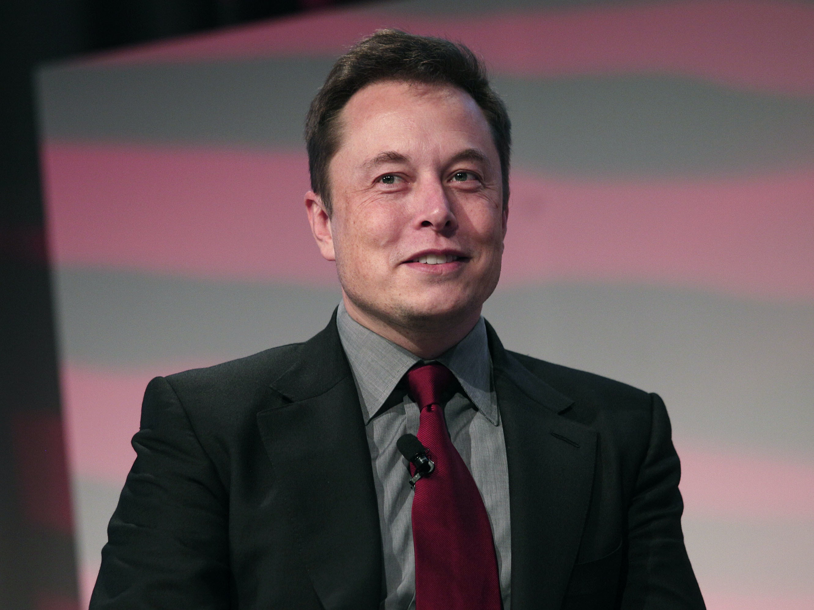 """Elon Musk: First Hyperloop One Test Was a Success """"Without Any Help From Me"""""""