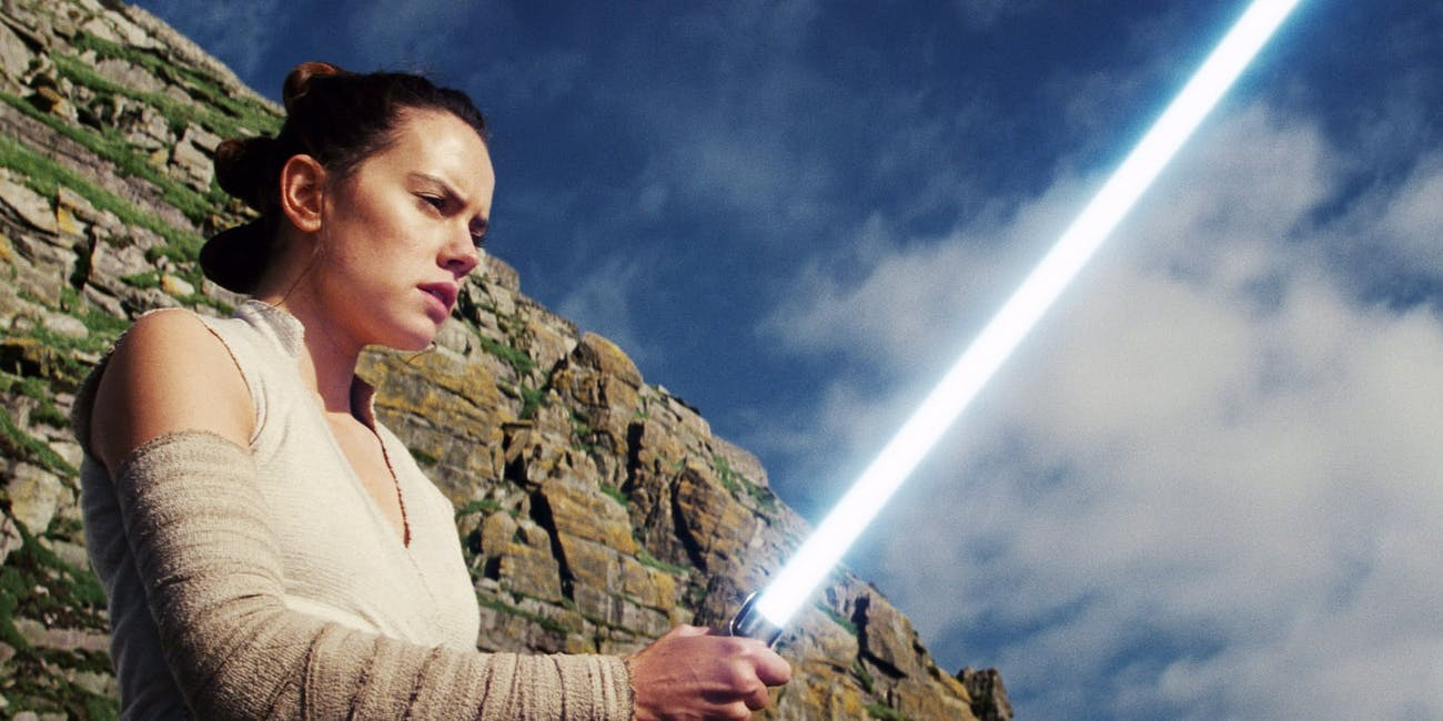 star wars episode 9 footage rey lightsaber