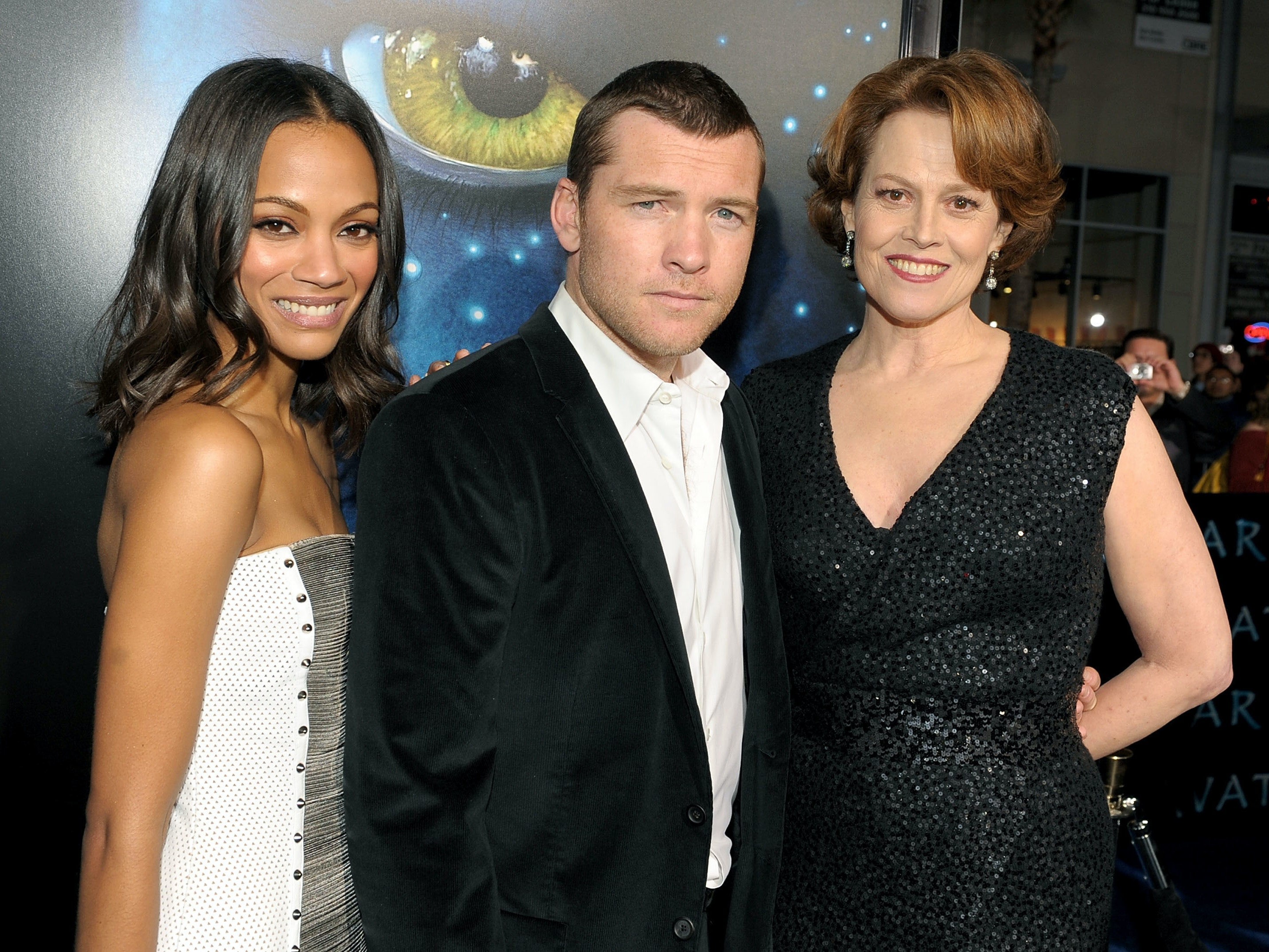 HOLLYWOOD - DECEMBER 16:  (L-R) Actors Zoe Saldana, Sam Worthington and Sigourney Weaver arrive at the premiere of 20th Century Fox's 'Avatar' at the Grauman's Chinese Theatre on December 16, 2009 in Hollywood, California.  (Photo by Kevin Winter/Getty Images)