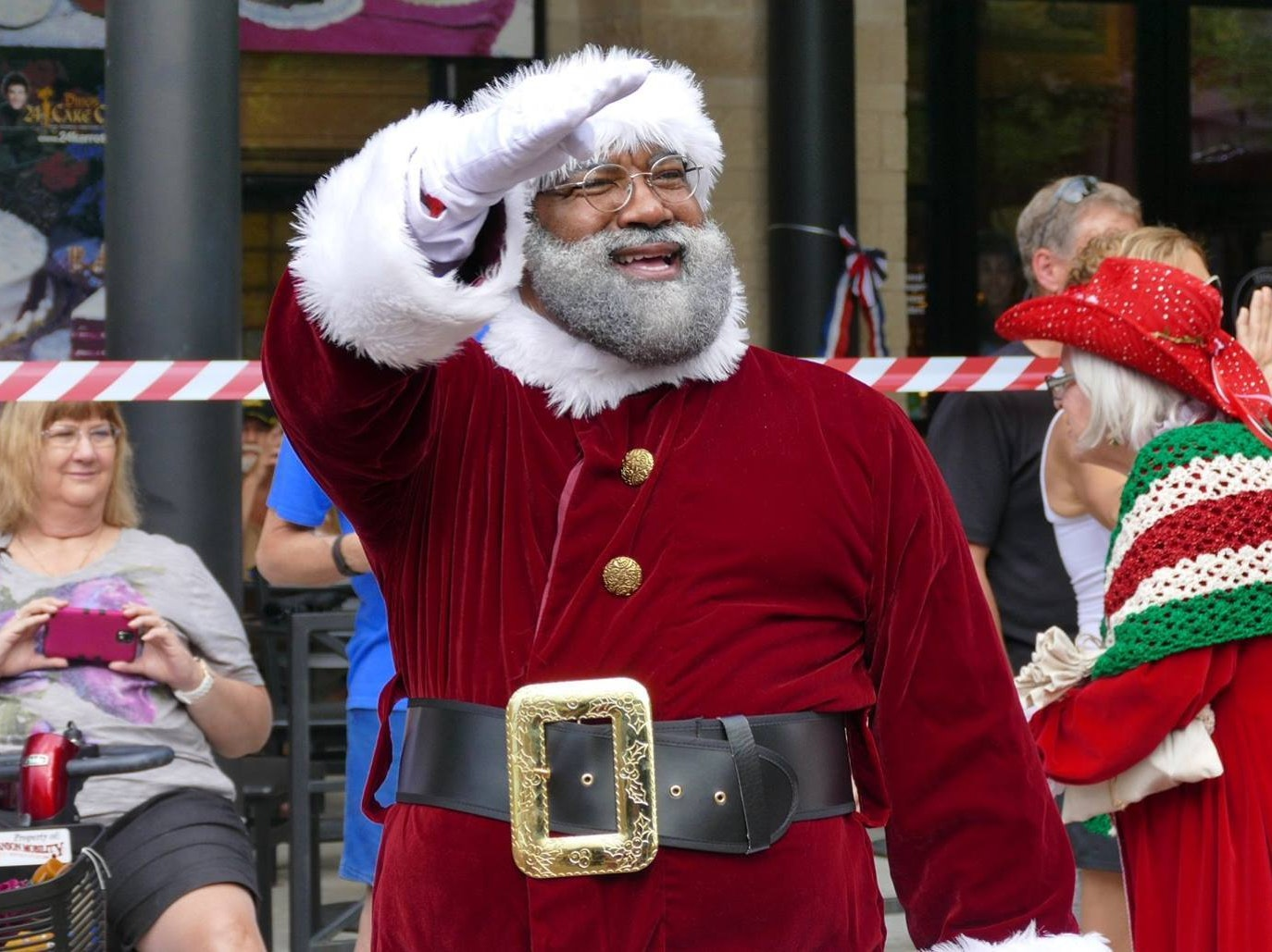 Minnesota's Black Santa Is Pissing Off a Lot of Racists