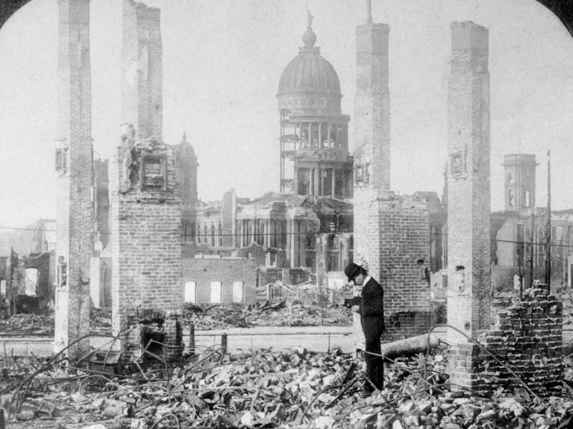 The California Academy of Sciences Hero Versus the 1906 San Francisco Earthquake