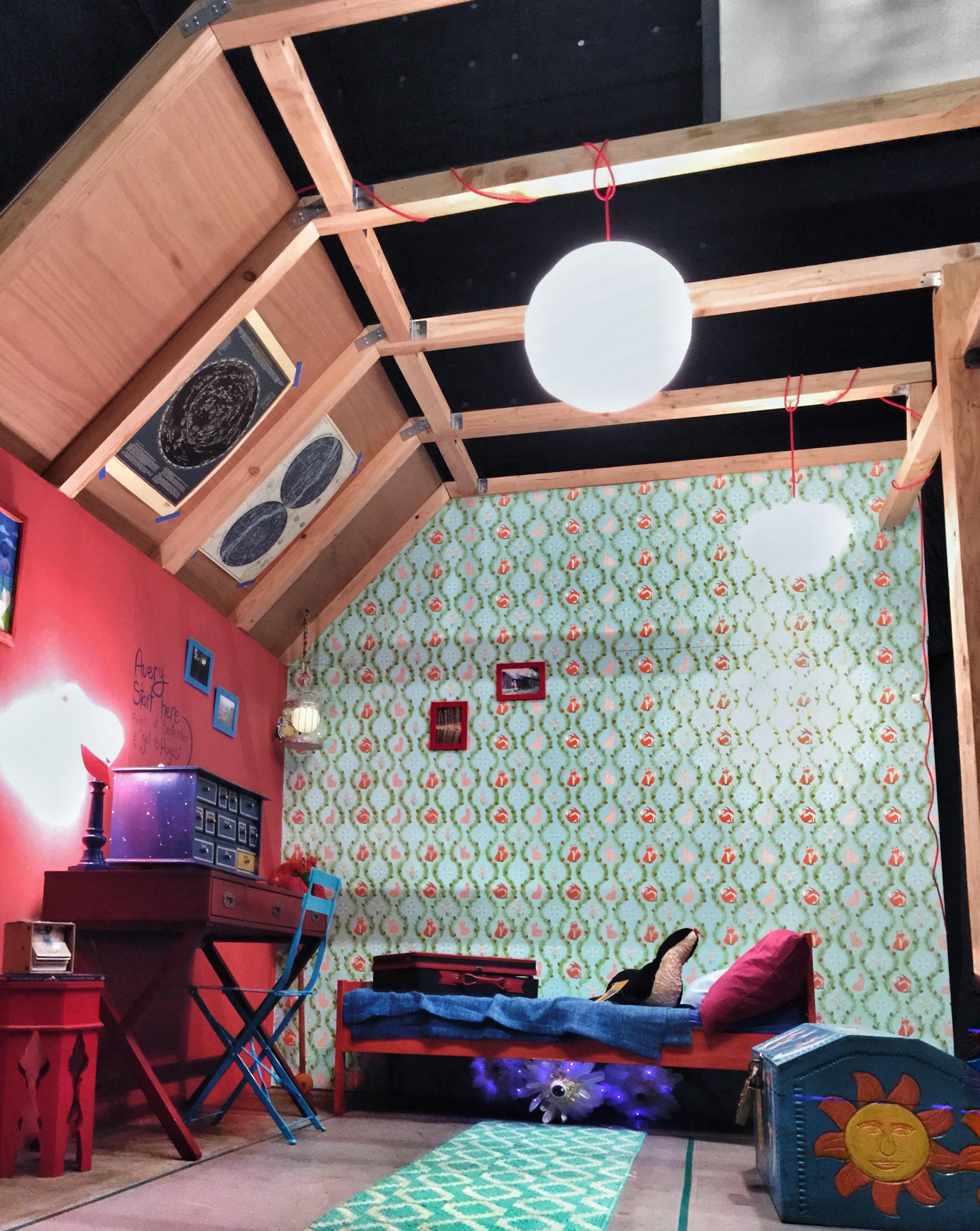 "Beautiful Corner ""Room"" Set"