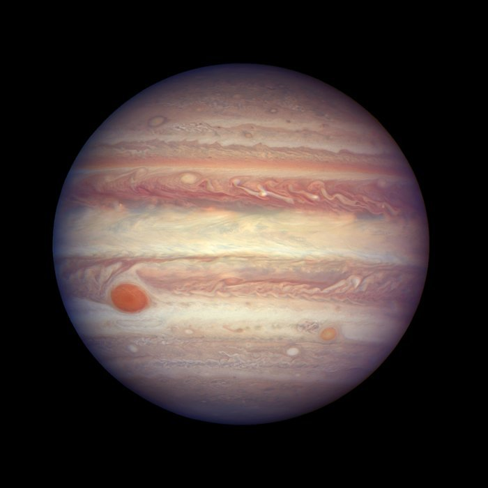 Jupiter is aligned with the Earth and Sun in this close up shot from Hubble.