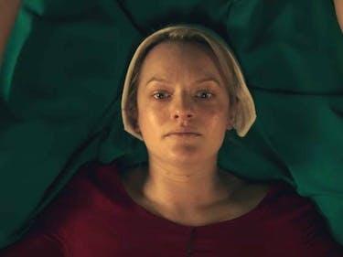 First Handmaids Tale Trailer Shows A Nightmarish Future