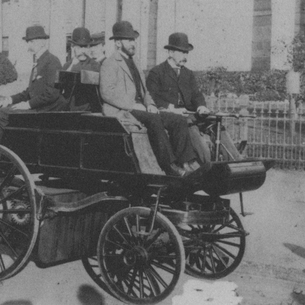 In 1910 Electric Cars Were The Best Vehicles On Road What Hened