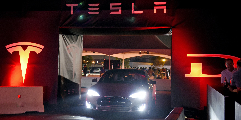Elon Musk Says Tesla will roll out Autopilot 8.1 in a few weeks.