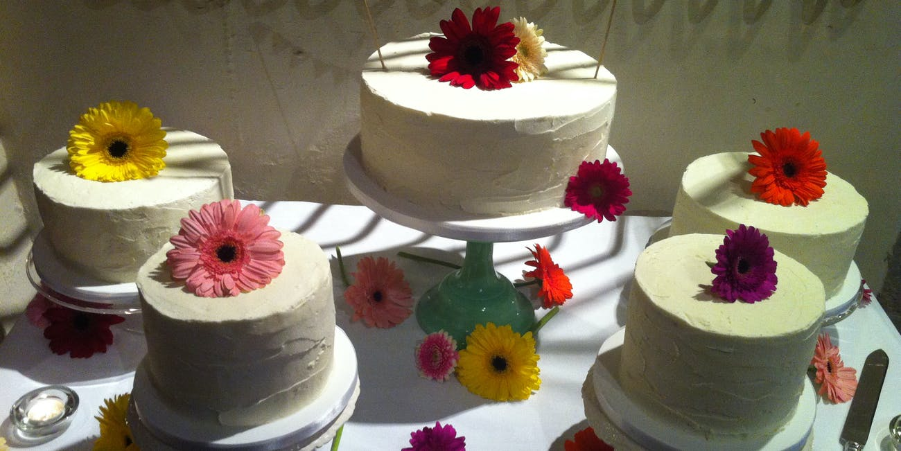 Should You Eat Frozen Wedding Cake A Year Later? Experts