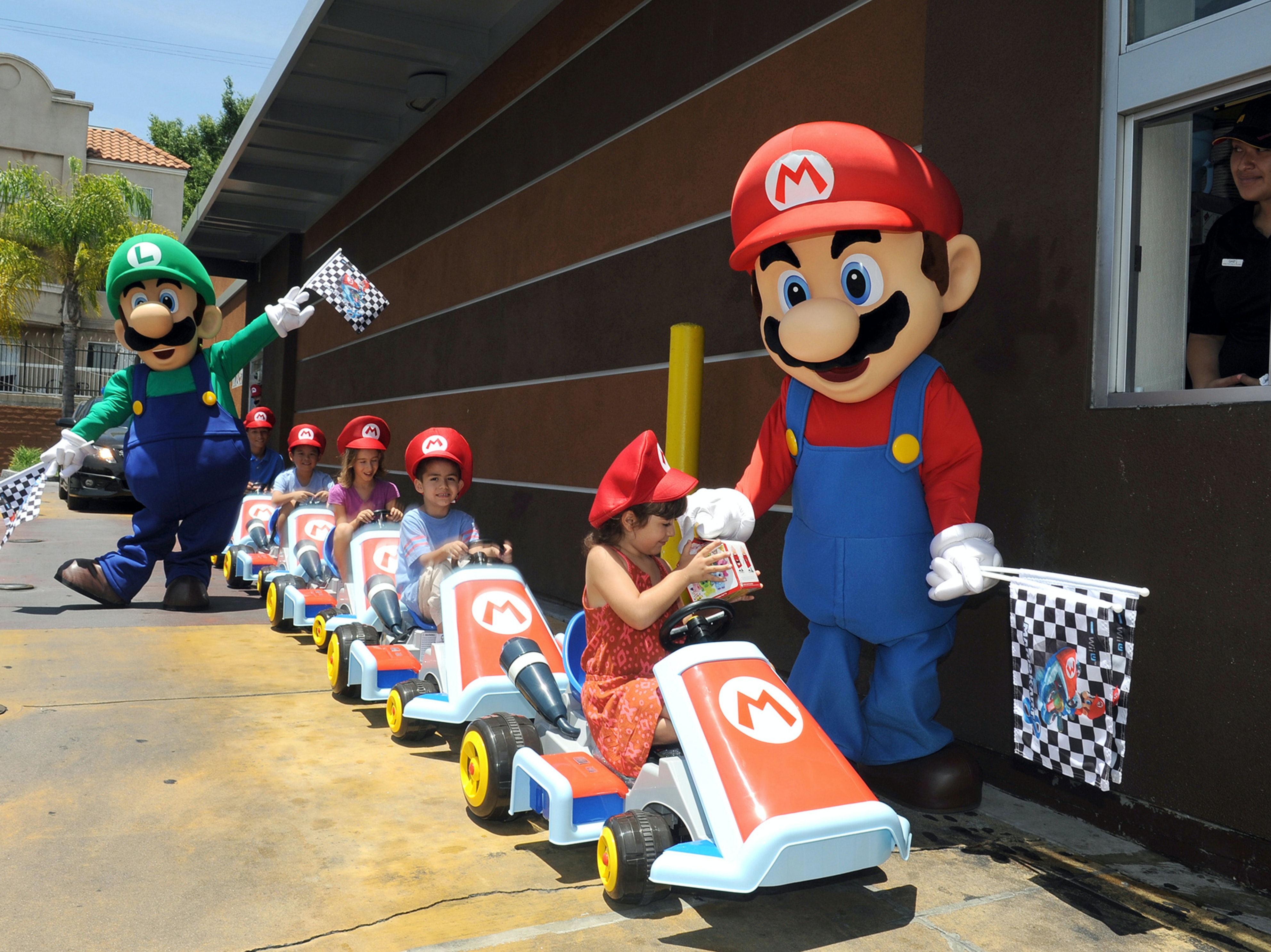 23 Ludicrous Suggestions for Nintendo Theme Park Attractions