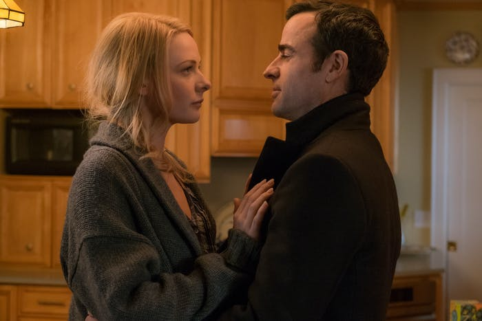 Rebecca Ferguson and Justin Theroux in 'The Girl On The Train'