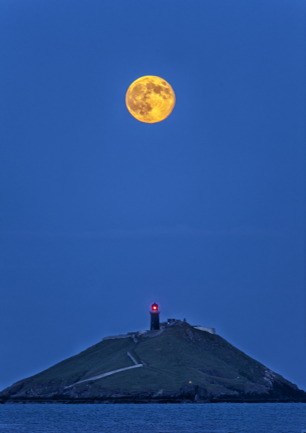 A 2013 supermoon as seen from Ireland