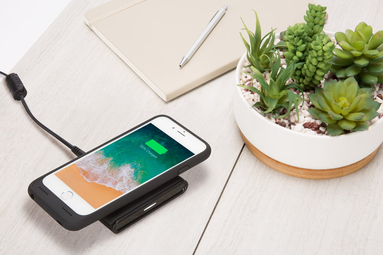 incipio wireless charing case