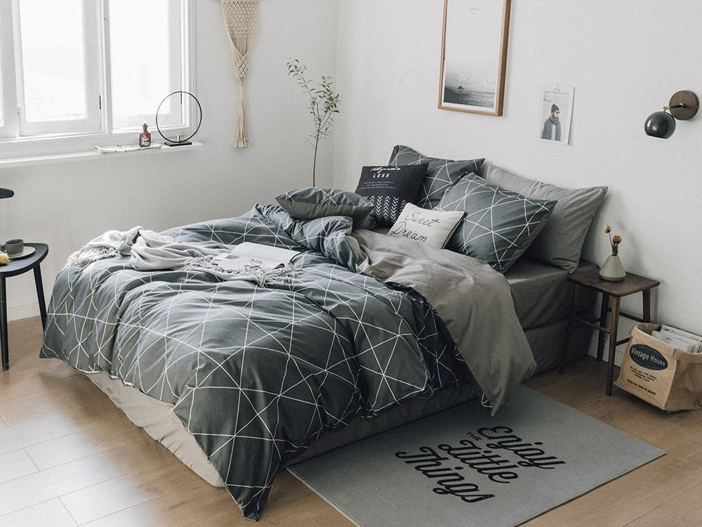 4 Comforters That Won't Scare Your Hot Date Away