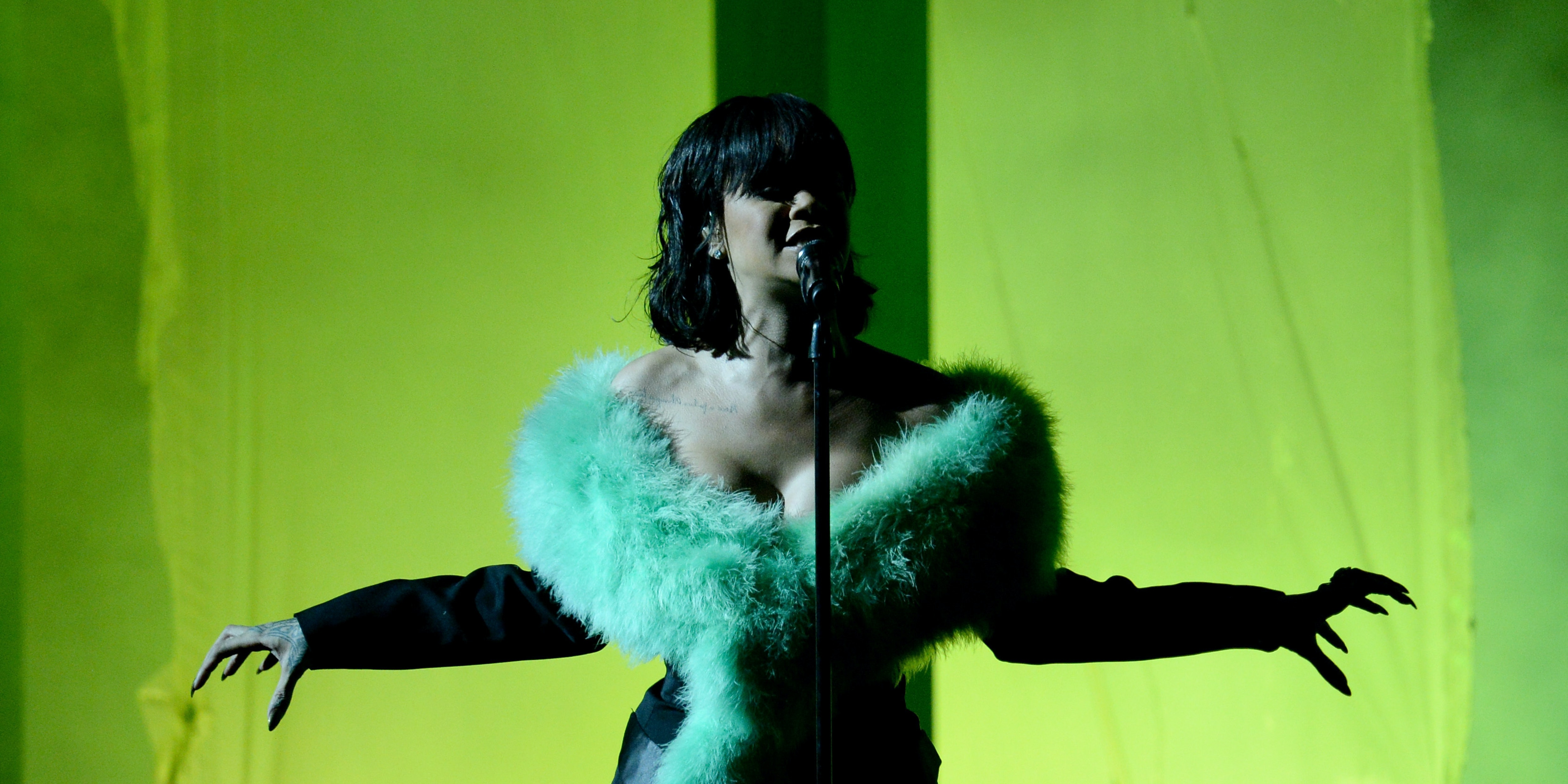 LAS VEGAS, NV - MAY 22:  Recording artist Rihanna performs onstage during the 2016 Billboard Music Awards at T-Mobile Arena on May 22, 2016 in Las Vegas, Nevada.  (Photo by Kevin Winter/Getty Images)
