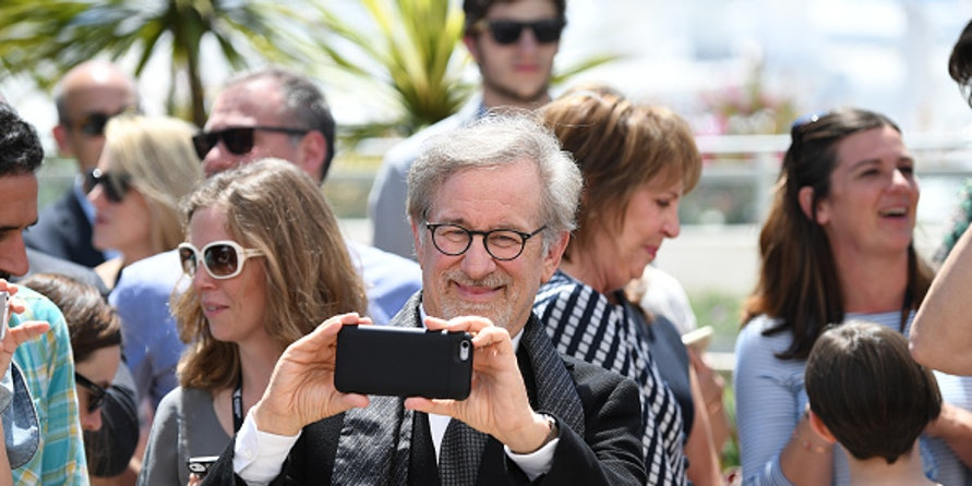 "Steven Spielberg Thinks Virtual Reality Is a ""Dangerous Medium"" for Film"