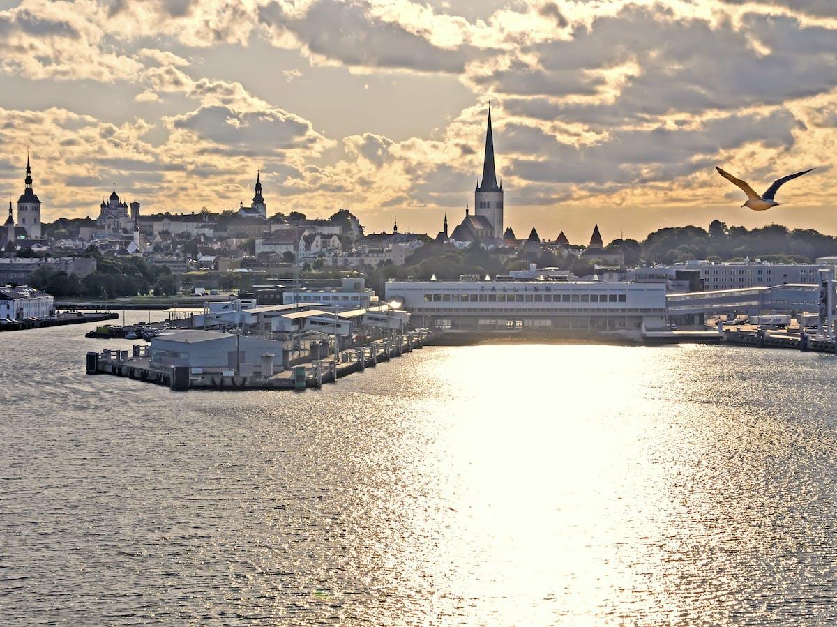 Estonia_1596B - Goodbye Estonia - Hello Russia