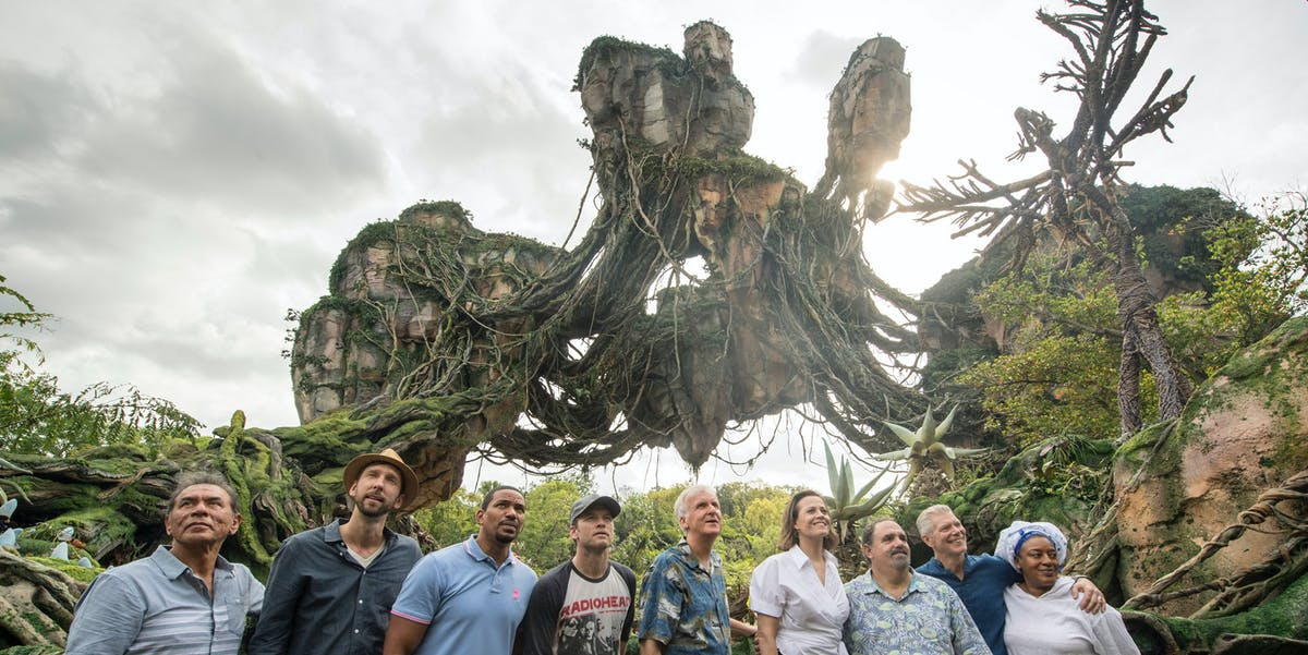 The cast and crew of 'Avatar' at the Pandora dedication ceremony