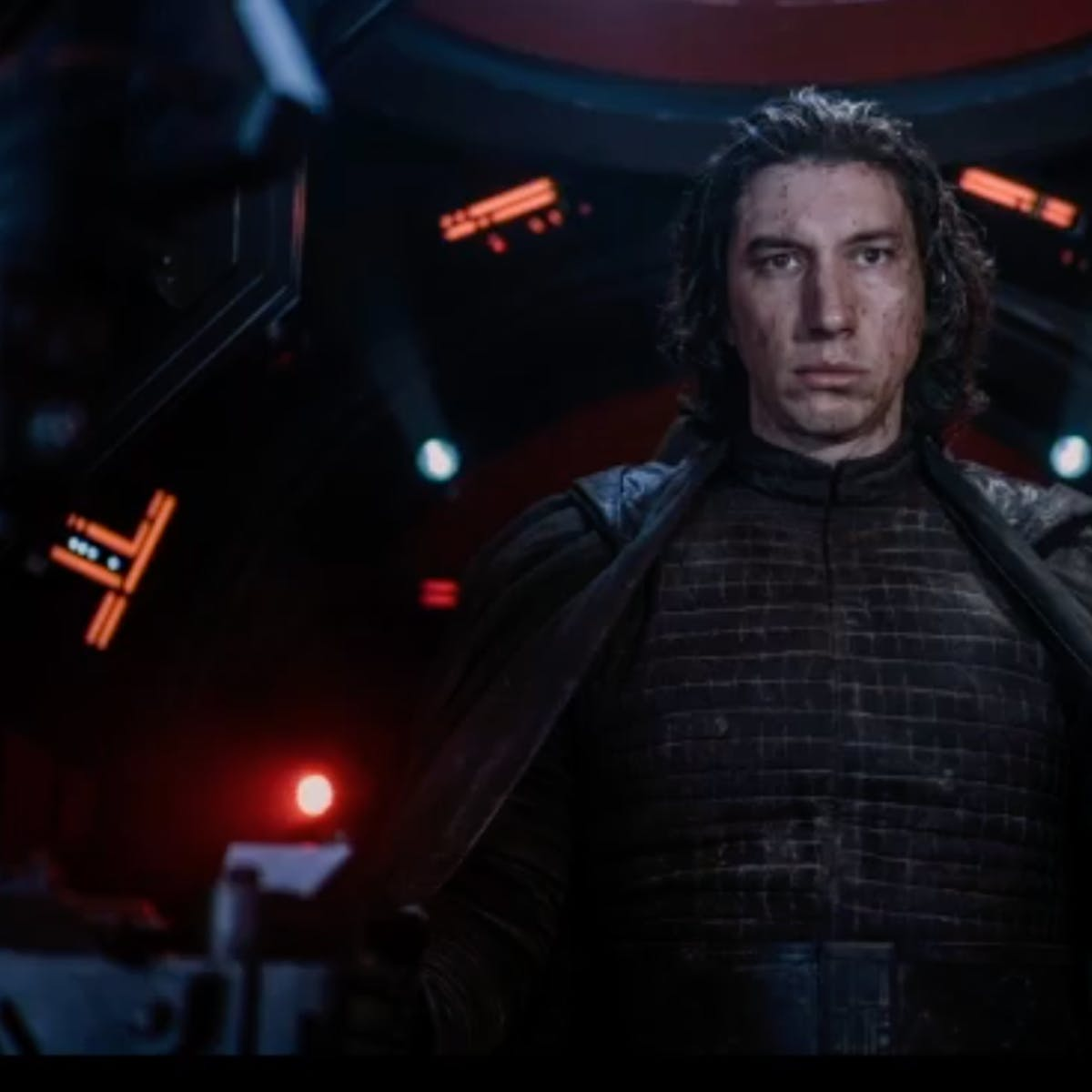 Star Wars 9' theory ties Kylo's redemption to an overlooked trailer detail