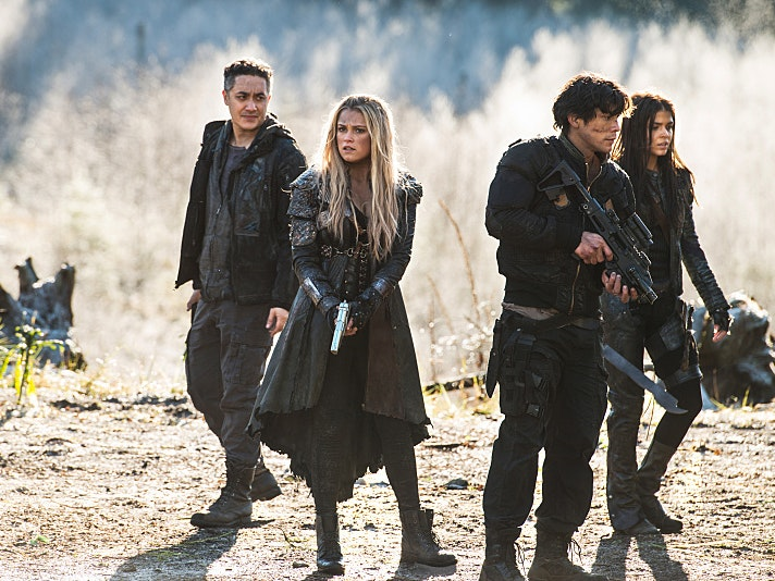 'The 100' Sends Off Lincoln and Sinclair in a Crazy Demon-Ghost Story