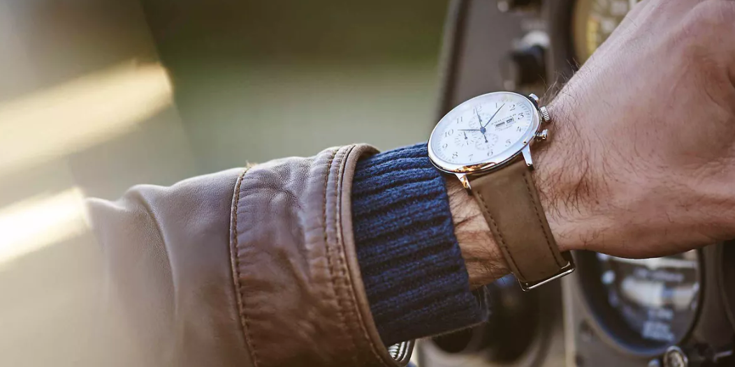 This Beautiful Watch Is the the Best Price for the Holidays