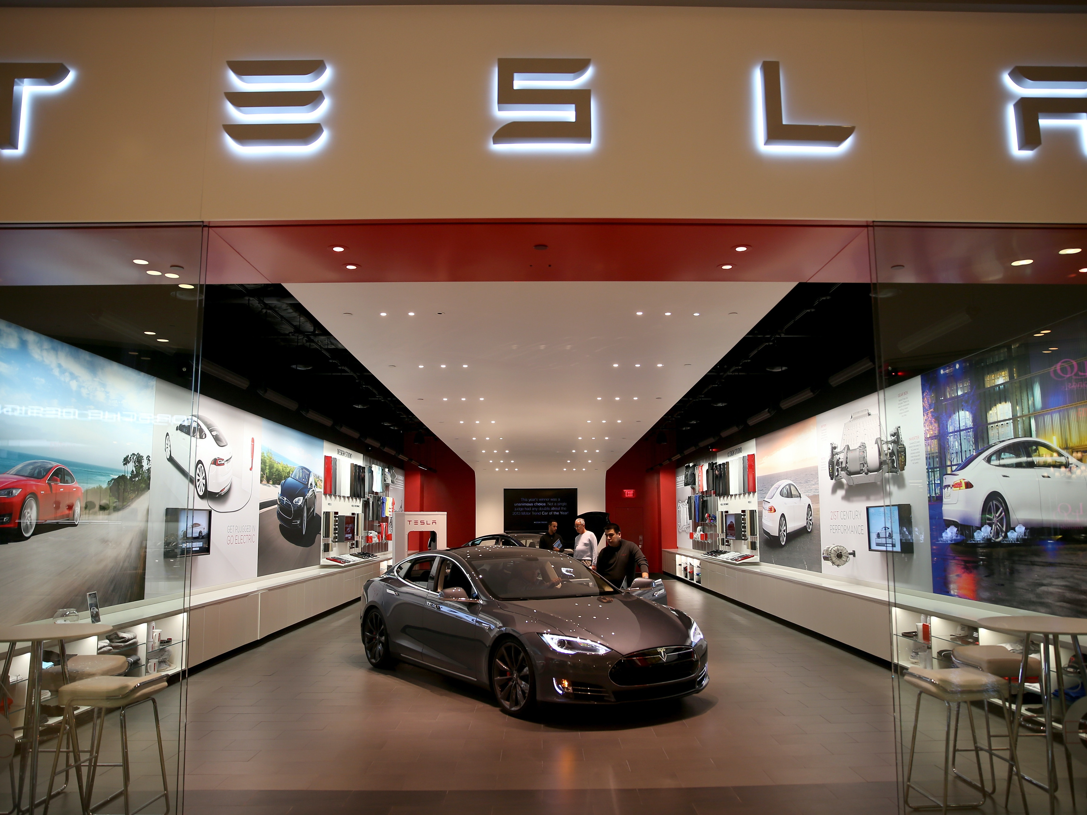 Germany to Tesla: Stop Saying Autopilot, Your Cars Need Drivers