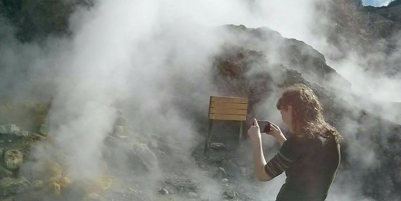 campi flegrei italy supervolcano explode volcano