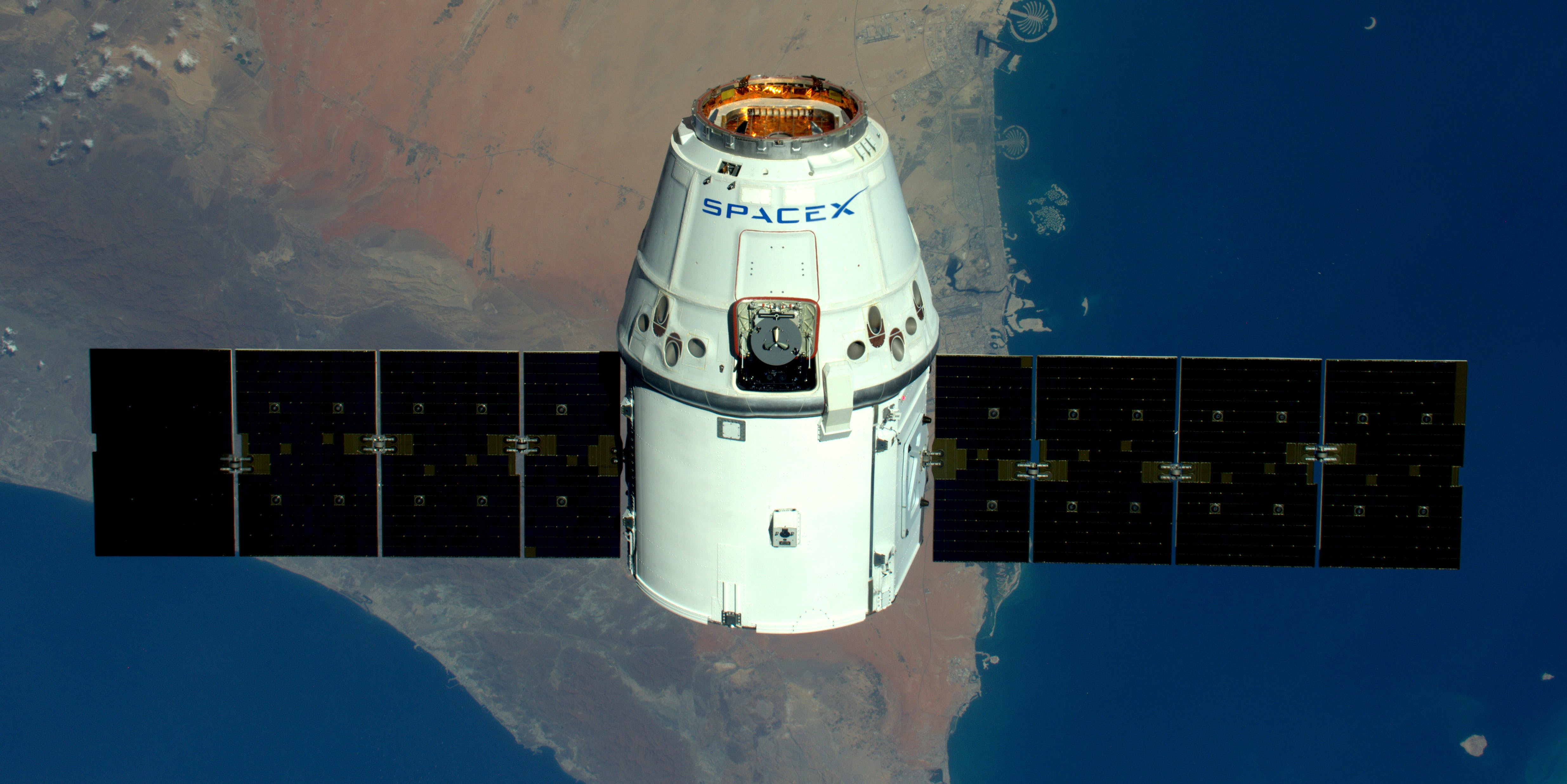A SpaceX Dragon capsule makes its way to the space station following a successful launch on April 8, 2016.