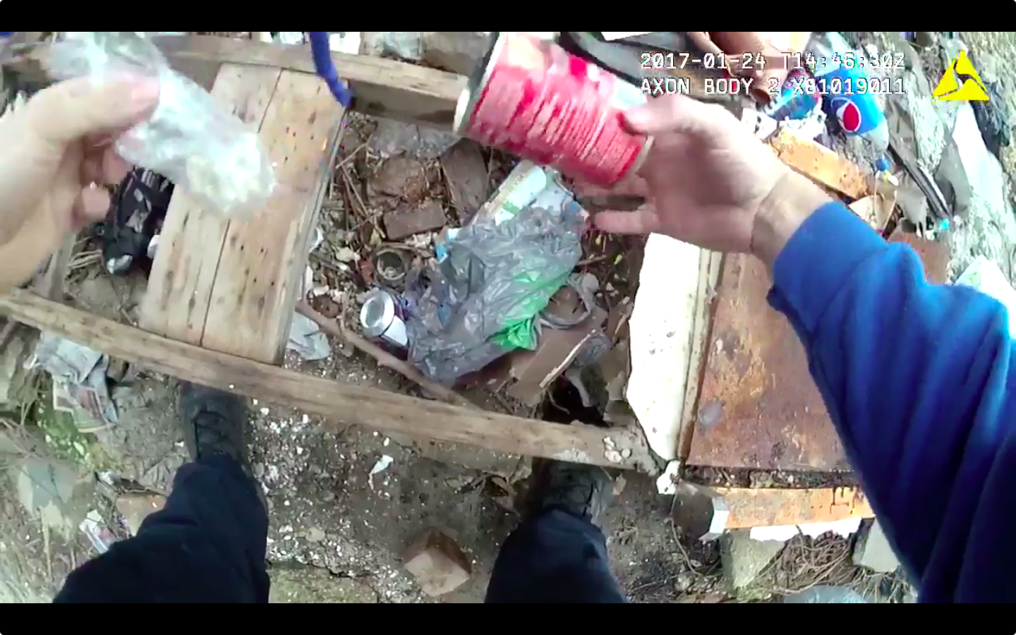 Accused dirty cop appears to be caught planting drugs in Baltimore