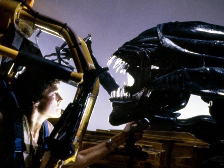 Mondo Tears 'Alien Day' Limb From Limb