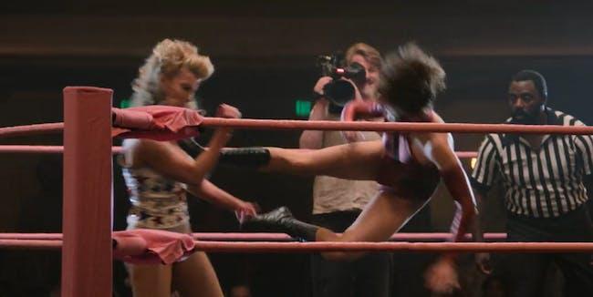 drop kick GLOW women's wrestling netflix Betty Gilpin Alison Brie