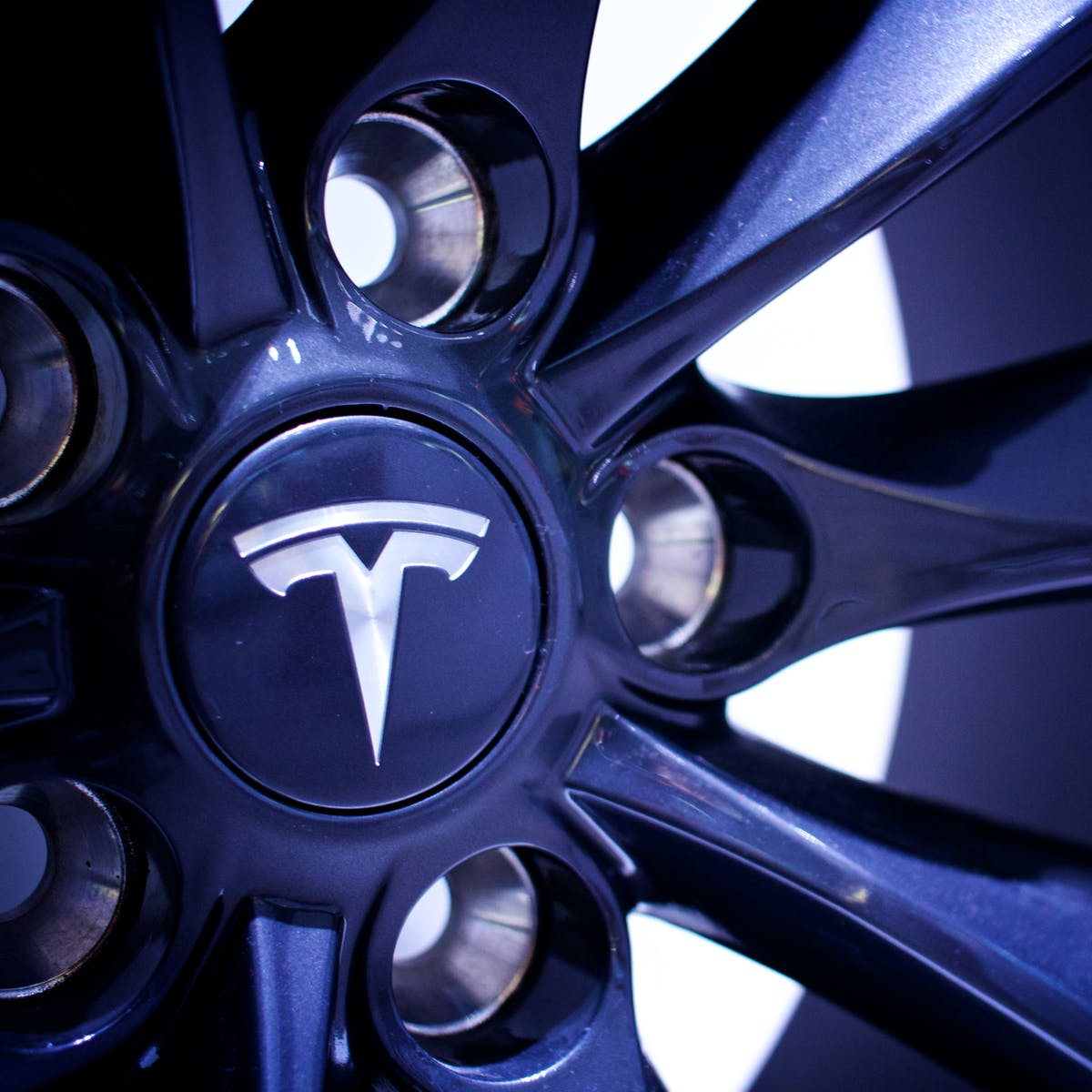 Tesla Earnings Call: 3 Key Questions for Elon Musk's Pre-Pickup Truck Call
