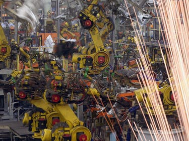 Manufacturing Goes Where the Robots Are