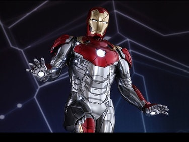 Iron Man's 'Homecoming' Suit Is an Ultimate Marvel Homage