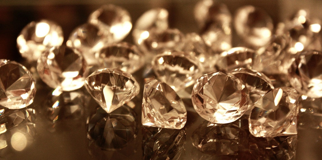 Scientists Discovered a Quadrillion Tons of Diamonds Hidden Deep Within the Earth