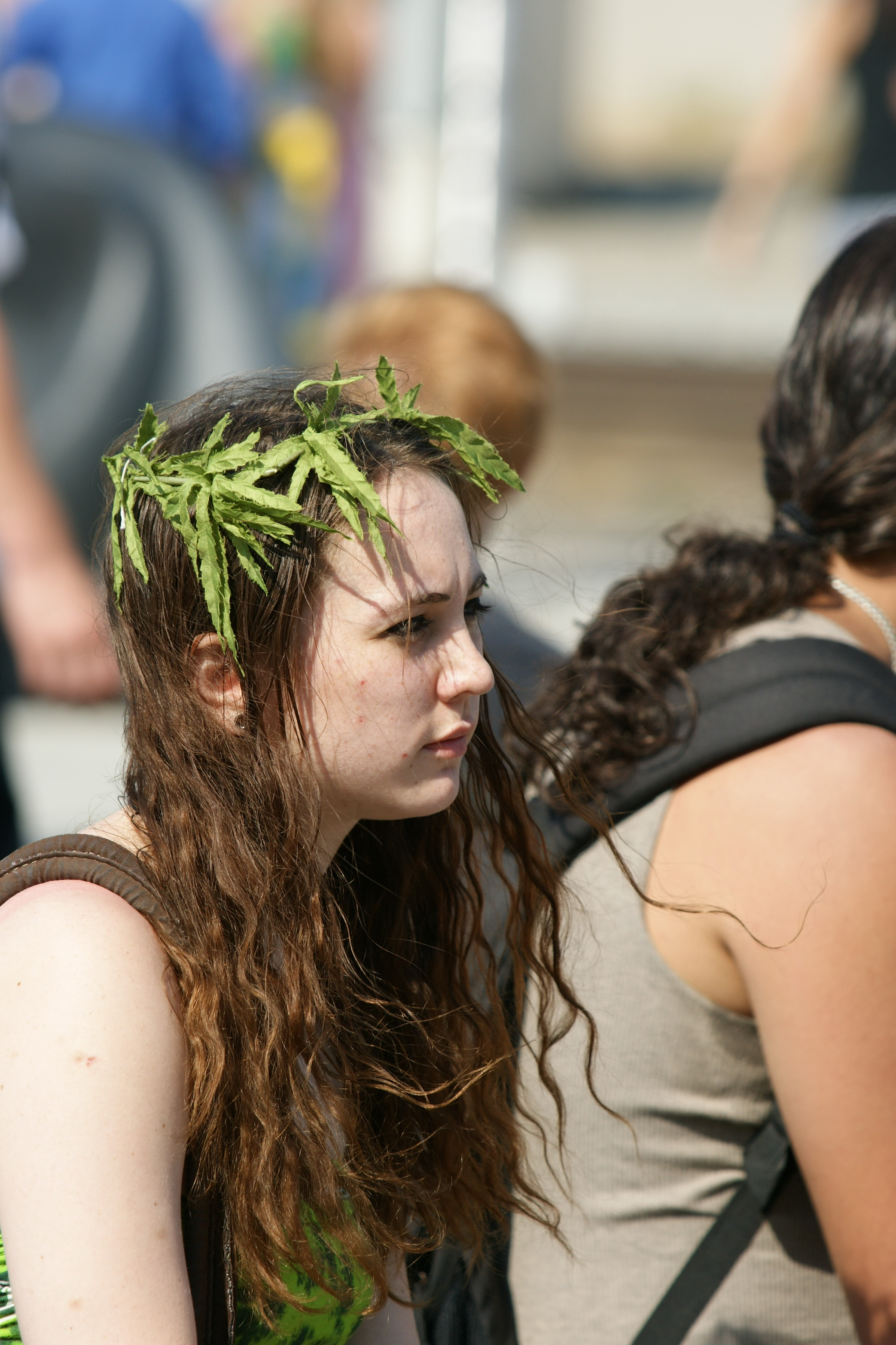 How Long Does Weed Stay in Your Hair? Science Explains | Inverse