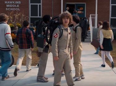 stranger things season 2 premiere date