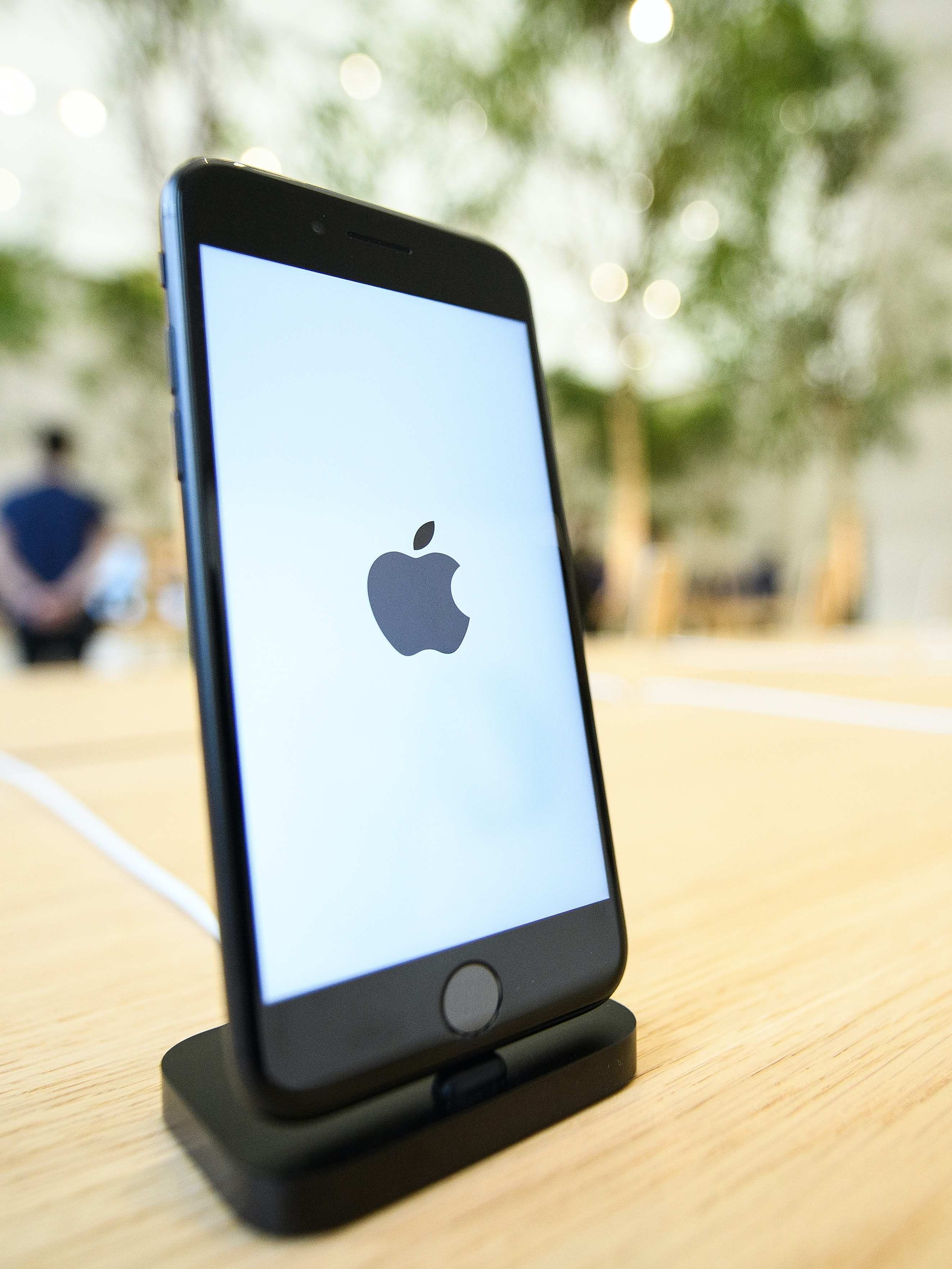 LONDON, ENGLAND - OCTOBER 13:  An Apple iPhone 7s is seen in the upgraded Apple store on Regent Street on October 13, 2016 in London, England. Regent Street was Apple's first store in Europe, and has handled more than 60 million customers over the past 12 years, and will be the first store in Europe with the new design concept.  (Photo by Leon Neal/Getty Images)