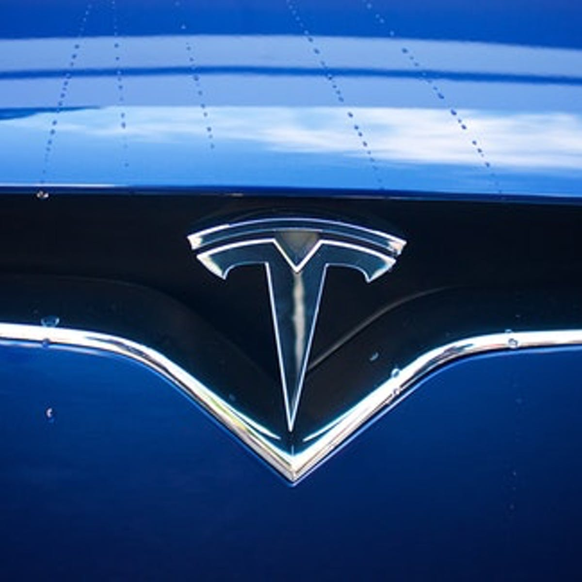 Musk Reads: Tesla Cybertruck imminent